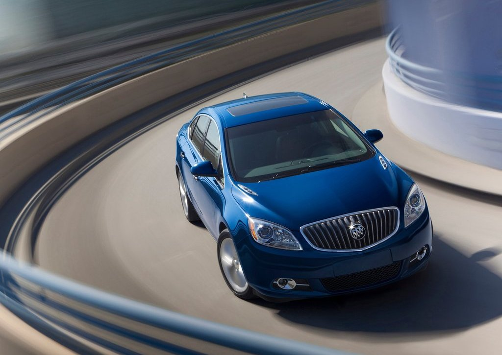 2013 Buick Verano Turbo Top View (Photo 10 of 10)