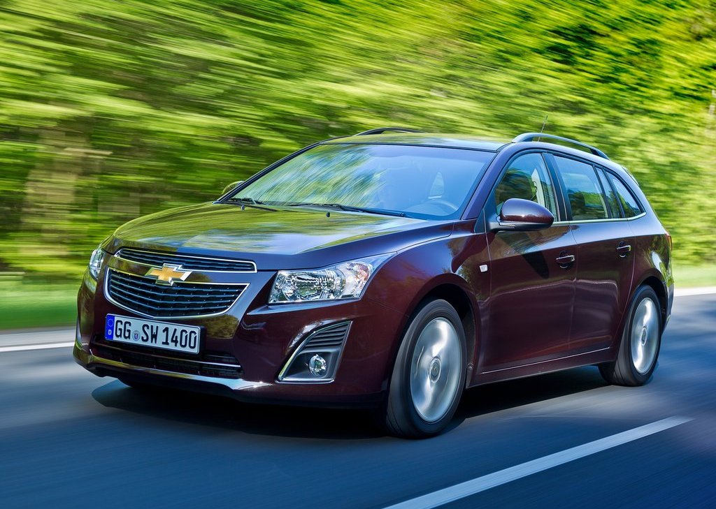 2013 Chevrolet Cruze Station Wagon Front Angle (View 9 of 24)