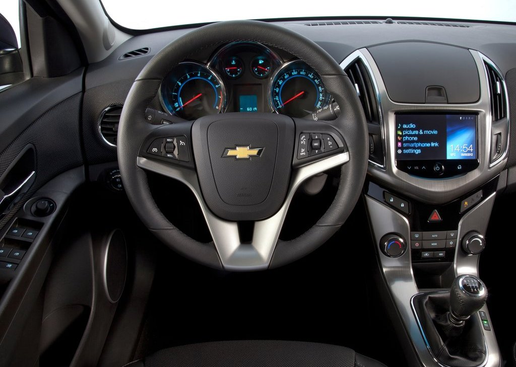 2013 Chevrolet Cruze Station Wagon Interior (View 16 of 24)