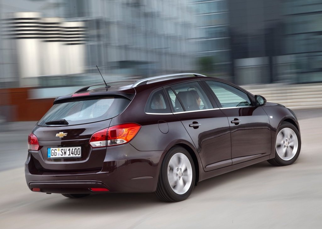 2013 Chevrolet Cruze Station Wagon Rear Angle (View 18 of 24)