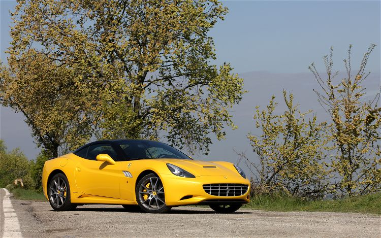 2013 Ferrari California Front Angle (Photo 2 of 8)