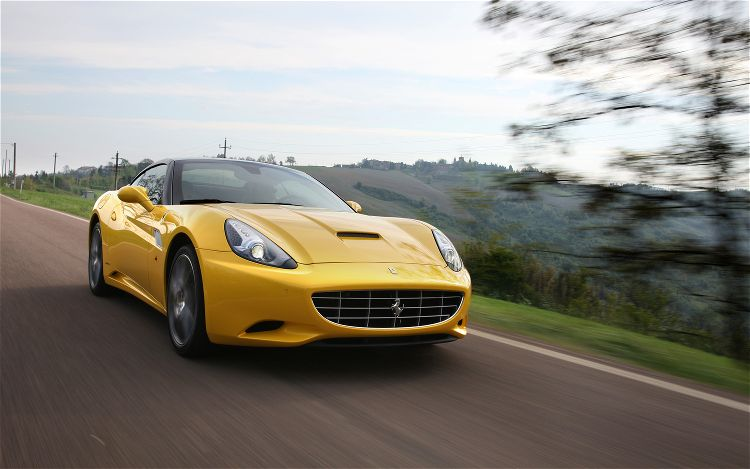 2013 Ferrari California (Photo 8 of 8)