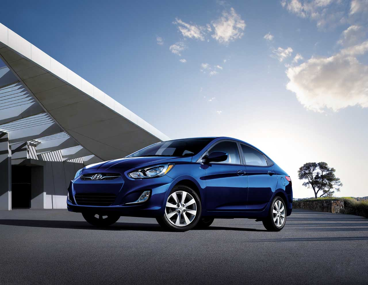 2013 Hyundai Accent (Photo 4 of 18)