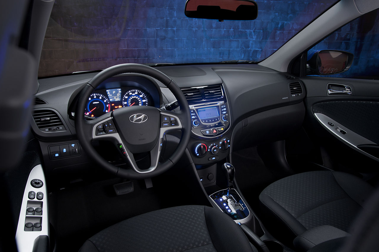 2013 Hyundai Accent Interior (Photo 13 of 18)
