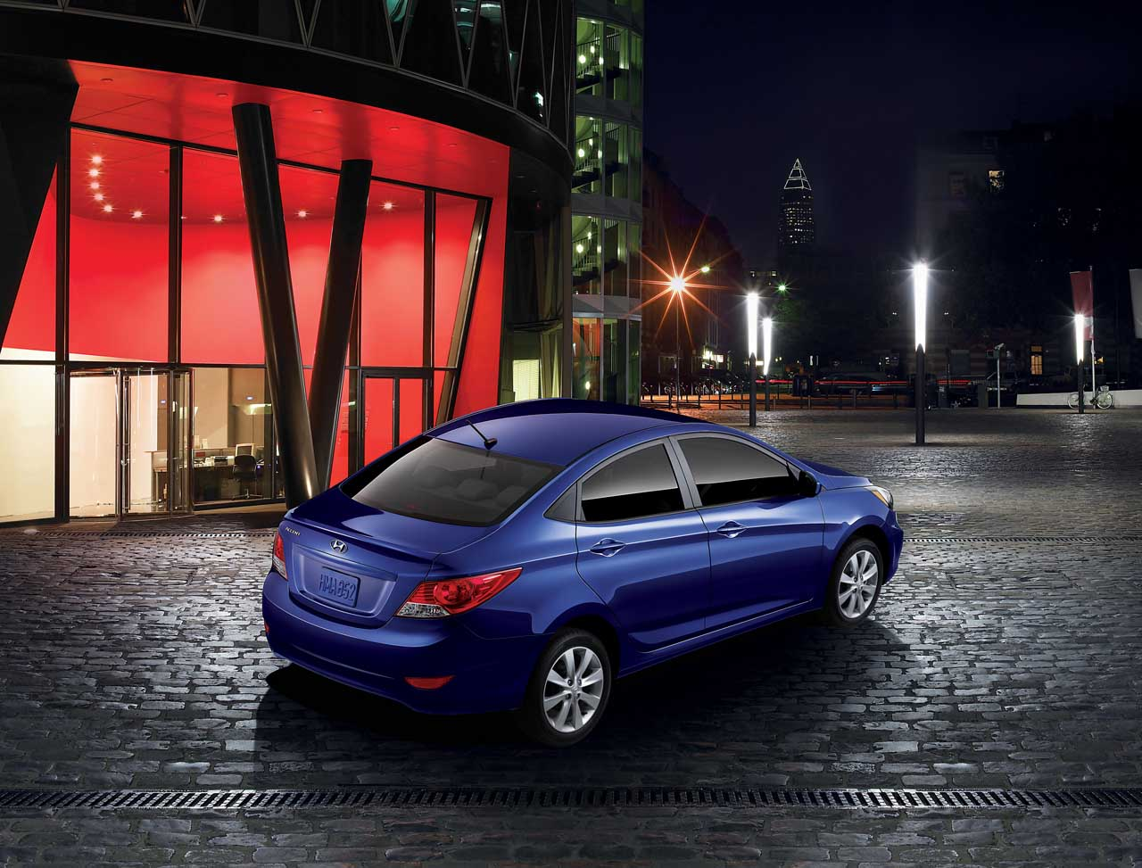 2013 Hyundai Accent Rear Angle (View 12 of 18)