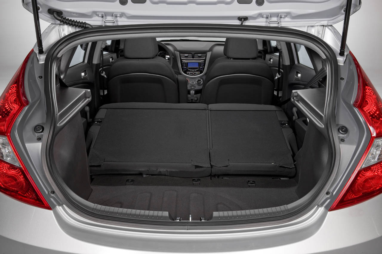 2013 Hyundai Accent Trunk (Photo 18 of 18)