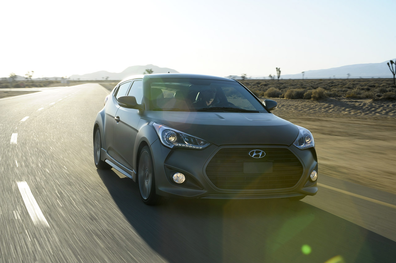 2013 Hyundai Veloster Turbo Front (Photo 3 of 11)