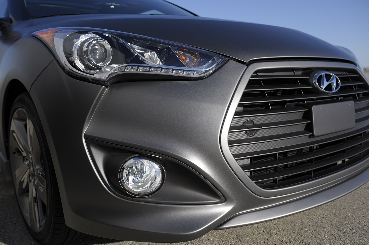 2013 Hyundai Veloster Turbo Head Lamp (Photo 6 of 11)