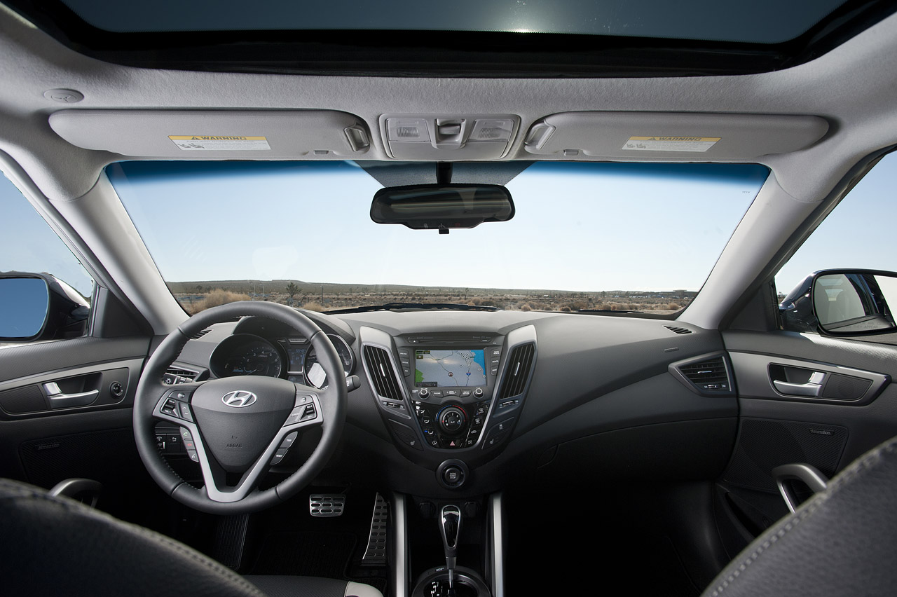 2013 Hyundai Veloster Turbo Interior (Photo 7 of 11)