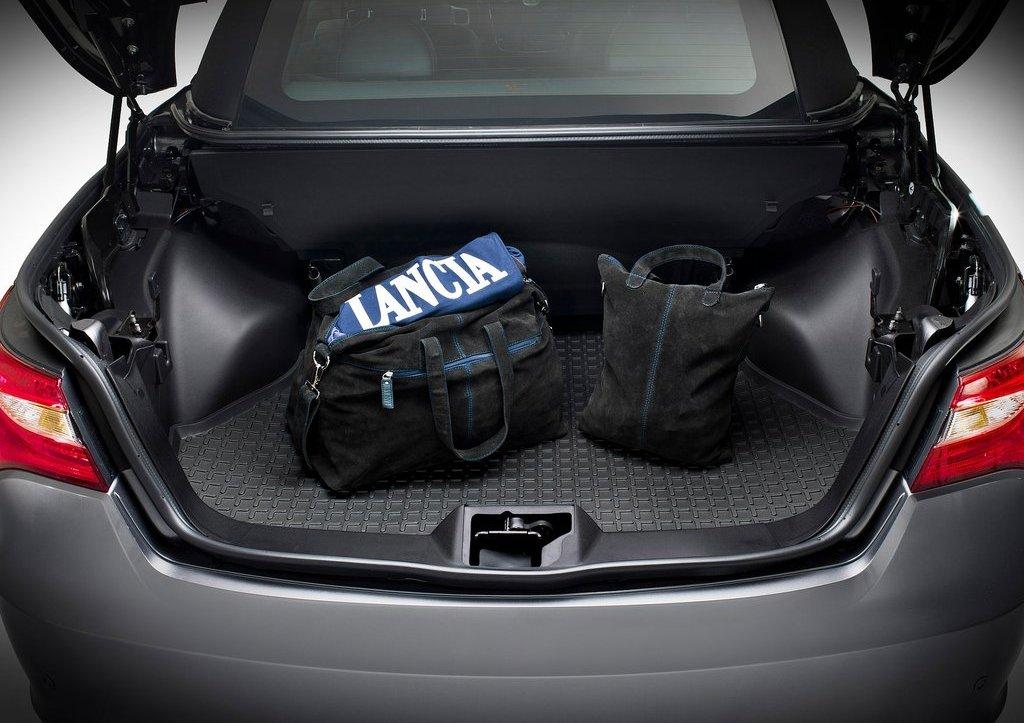 2013 Lancia Flavia Trunk (Photo 14 of 14)