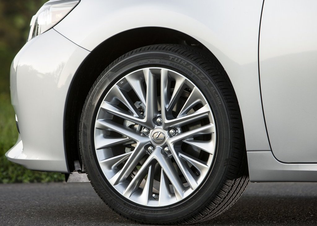 2013 Lexus ES350 Wheels (Photo 15 of 15)