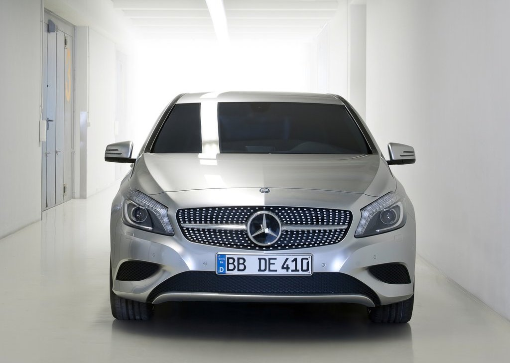 2013 Mercedes Benz A Class Front (Photo 11 of 21)