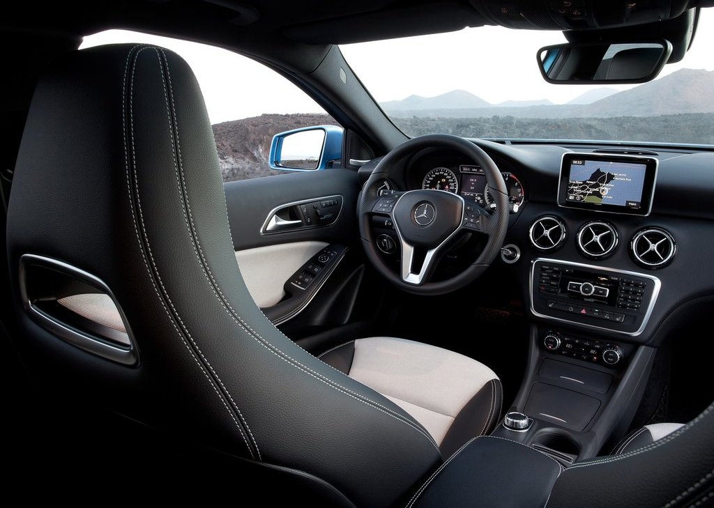2013 Mercedes Benz A Class Interior (Photo 16 of 21)