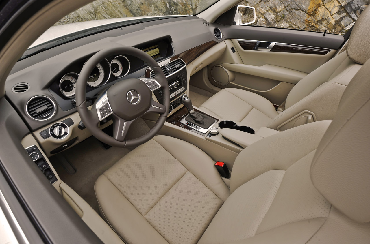 2013 Mercedes Benz C300 4Matic Interior (Photo 6 of 7)