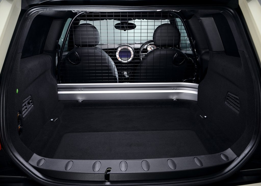 2013 Mini Clubvan Trunk (Photo 8 of 8)