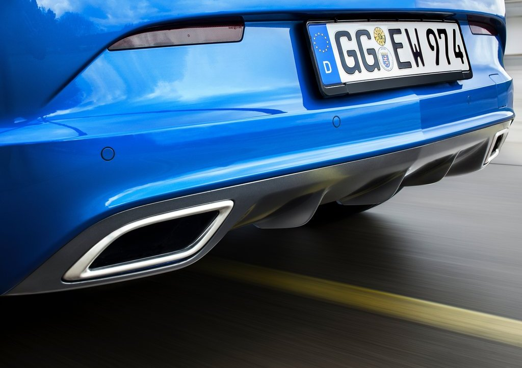 2013 Opel Astra OPC Bumper (Photo 6 of 16)