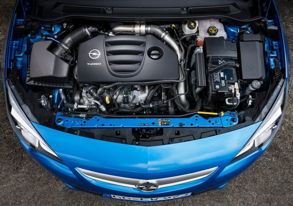 2013 Opel Astra OPC Engine (Photo 7 of 16)