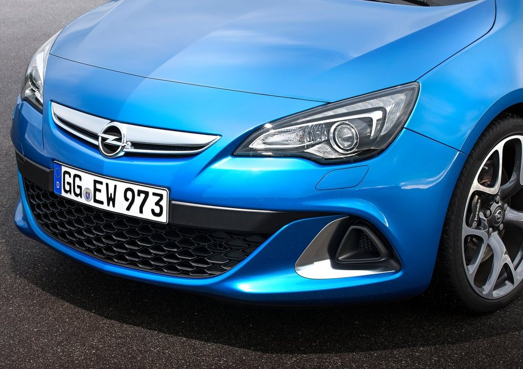 2013 Opel Astra OPC Front View (Photo 10 of 16)