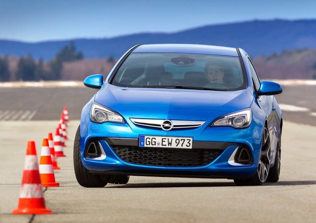 2013 Opel Astra OPC Front (Photo 9 of 16)