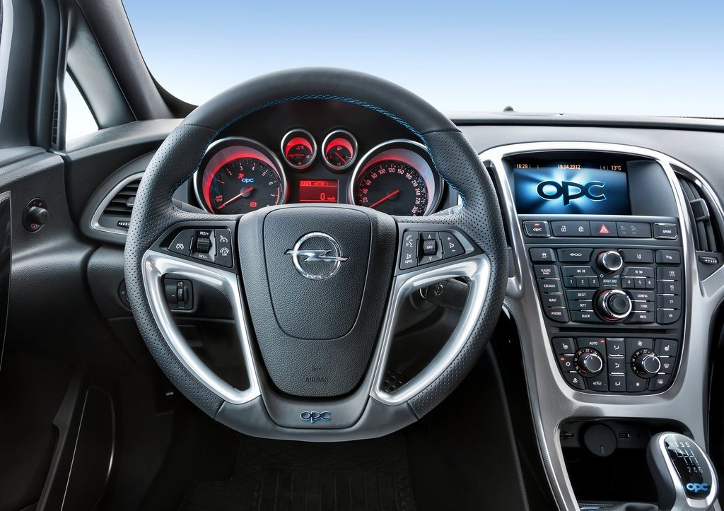 2013 Opel Astra OPC Interior (Photo 11 of 16)