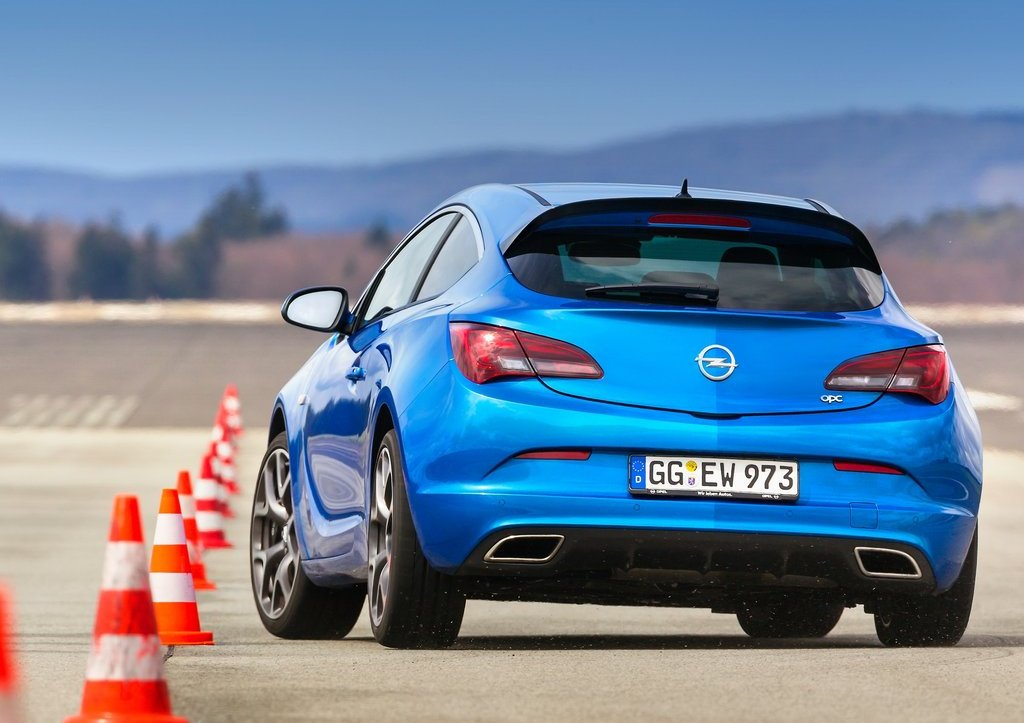 2013 Opel Astra OPC Rear (Photo 12 of 16)