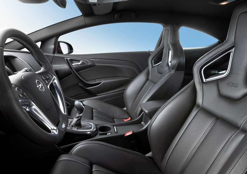 2013 Opel Astra OPC Seat (Photo 14 of 16)