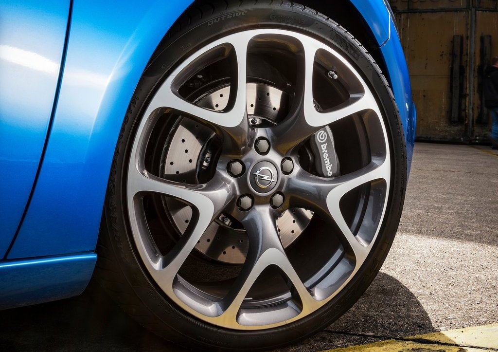 2013 Opel Astra OPC Wheels (Photo 16 of 16)