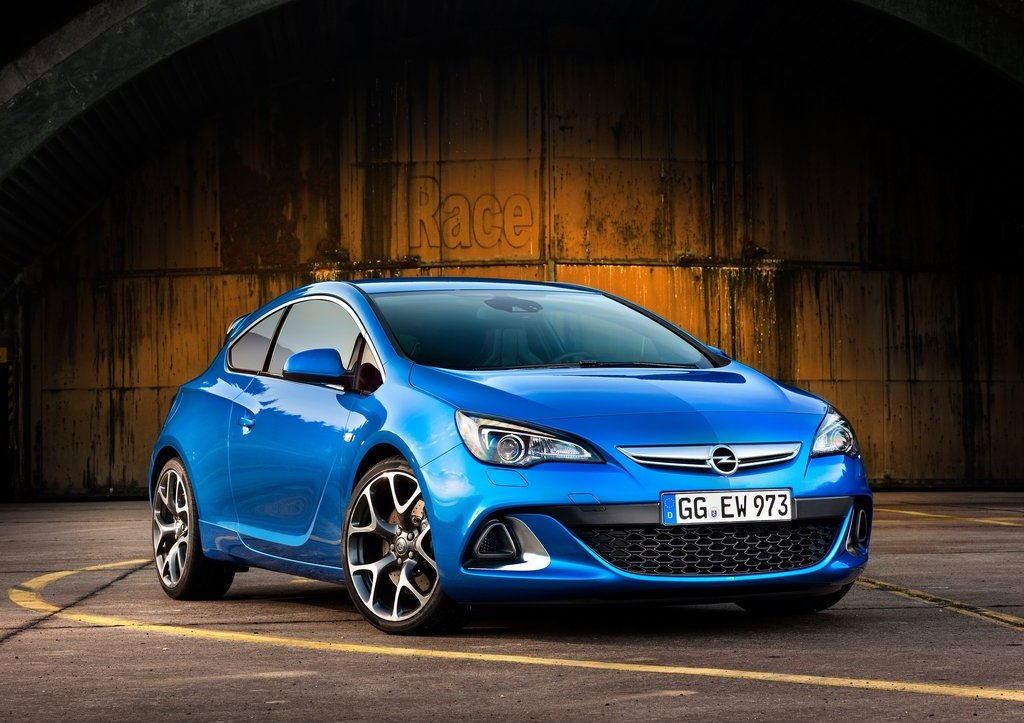 Featured Image of 2013 Opel Astra OPC Specs, Price, And Review