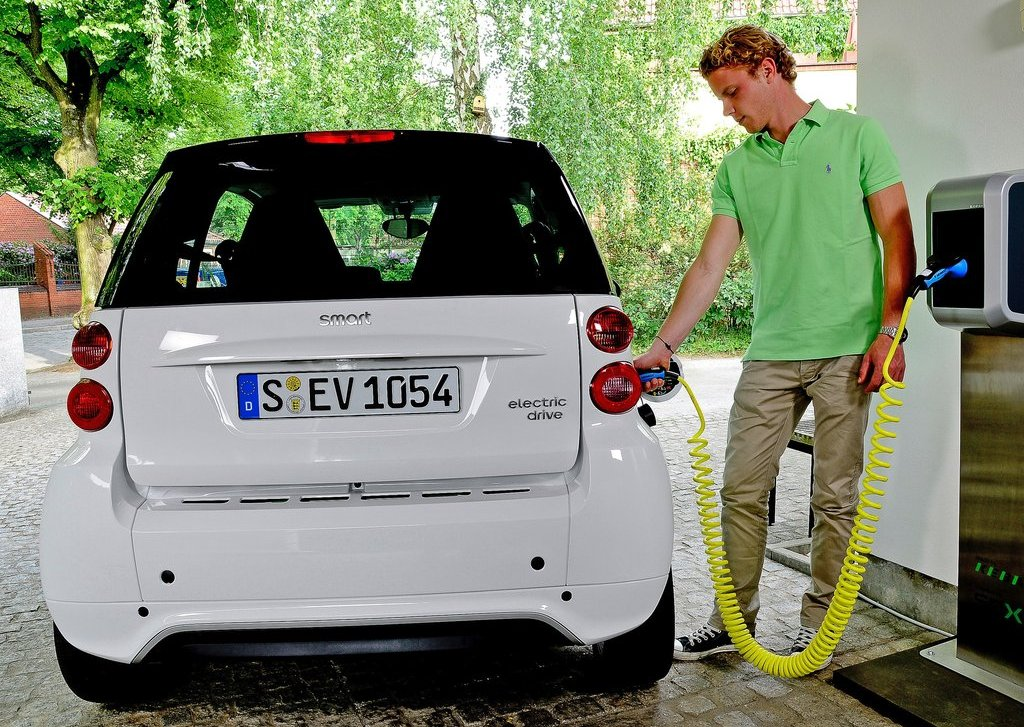 2013 Smart Fortwo Electric Drive Charger (View 3 of 15)