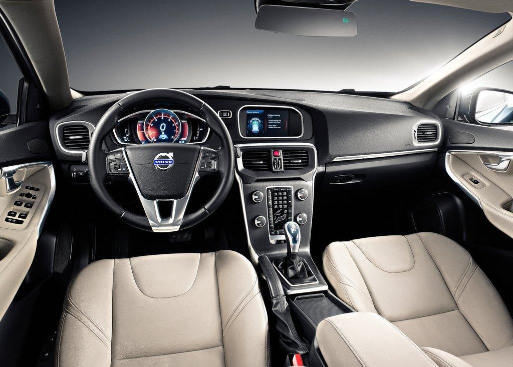 2013 Volvo V40 Interior (View 3 of 11)