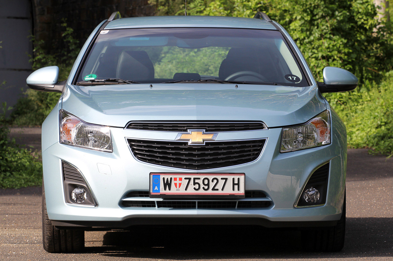 2012 Chevrolet Cruze Wagon Front (Photo 6 of 17)
