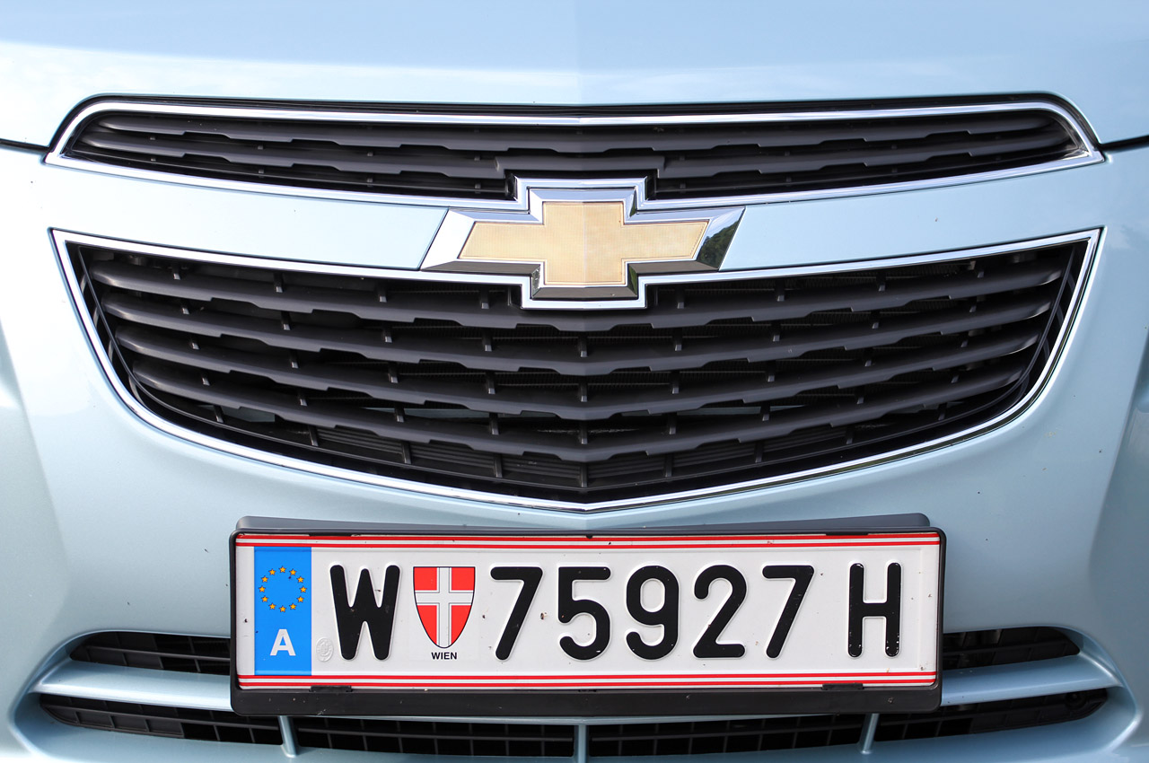 2012 Chevrolet Cruze Wagon Grill (Photo 8 of 17)