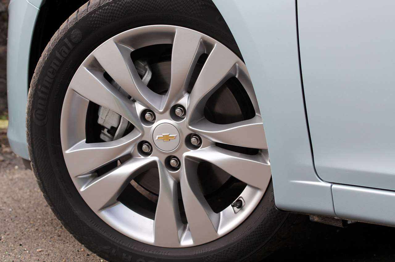 2012 Chevrolet Cruze Wagon Wheels (Photo 17 of 17)