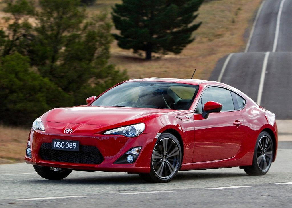 2012 Toyota 86 GTS Front Angle (Photo 6 of 13)