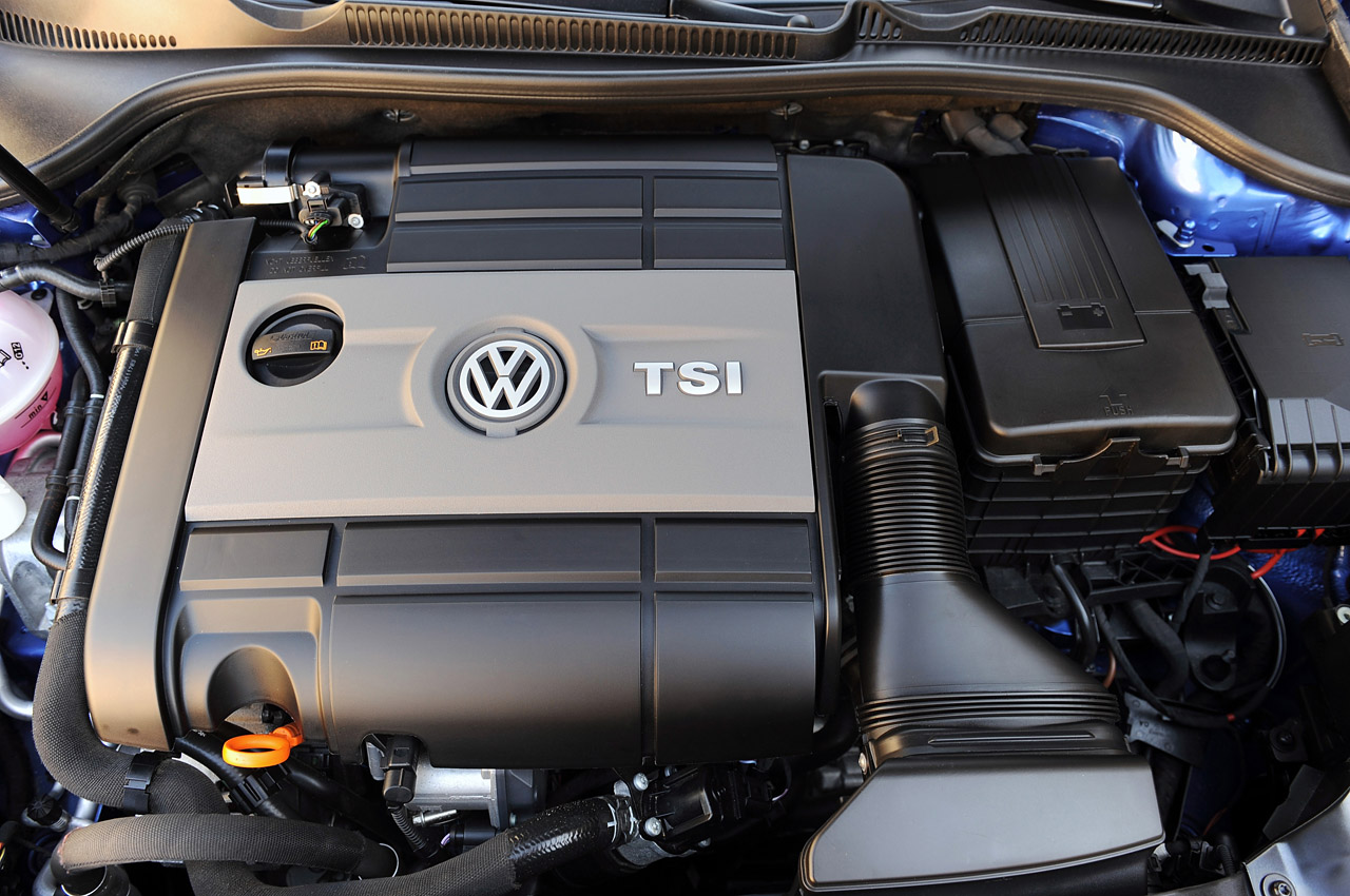 2012 Volkswagen Golf R Engine (Photo 4 of 16)