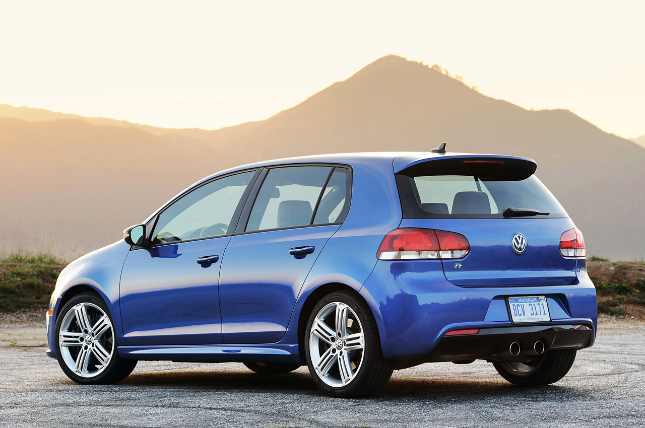 2012 Volkswagen Golf R Rear (Photo 11 of 16)