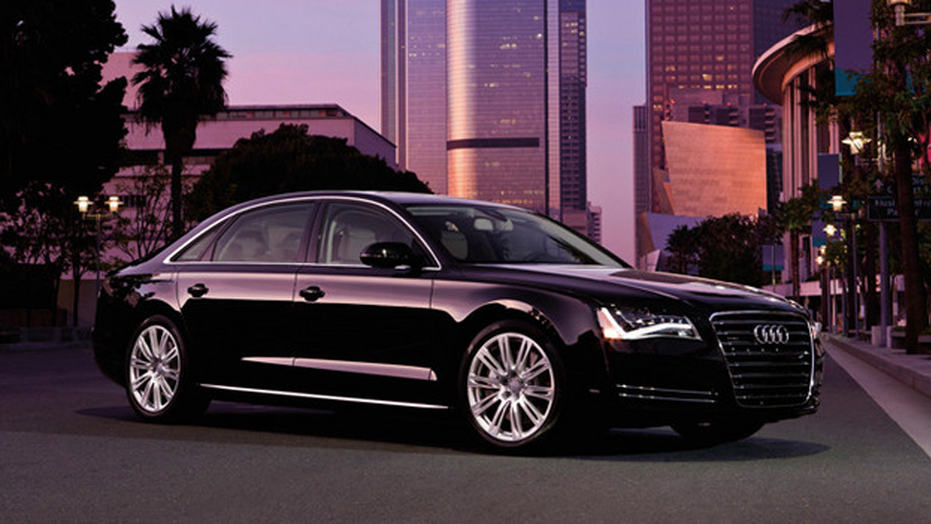 2013 Audi A8 4.0T Side (Photo 5 of 6)