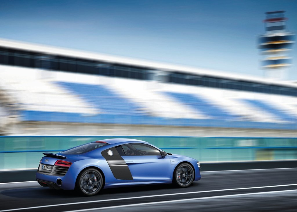 2013 Audi R8 V10 Plus Side (View 2 of 3)