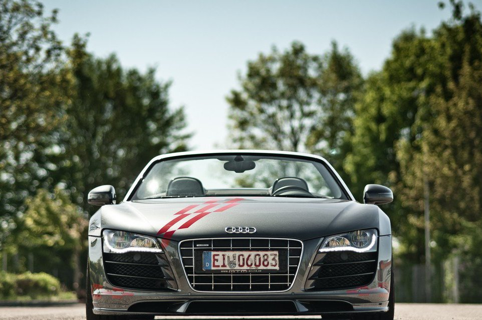 2013 Audi R8 V10 Spyder Front (Photo 4 of 14)