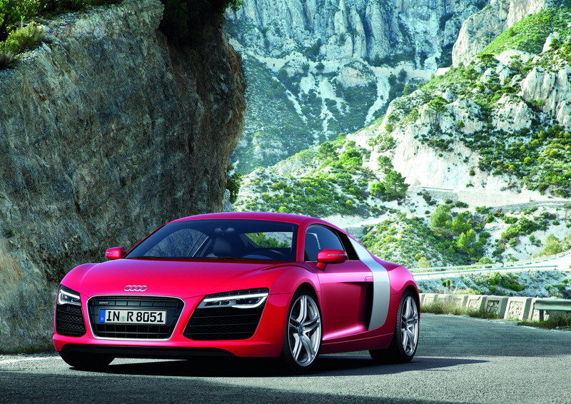 Featured Image of 2013 Audi R8 V8 Coupe Price Review