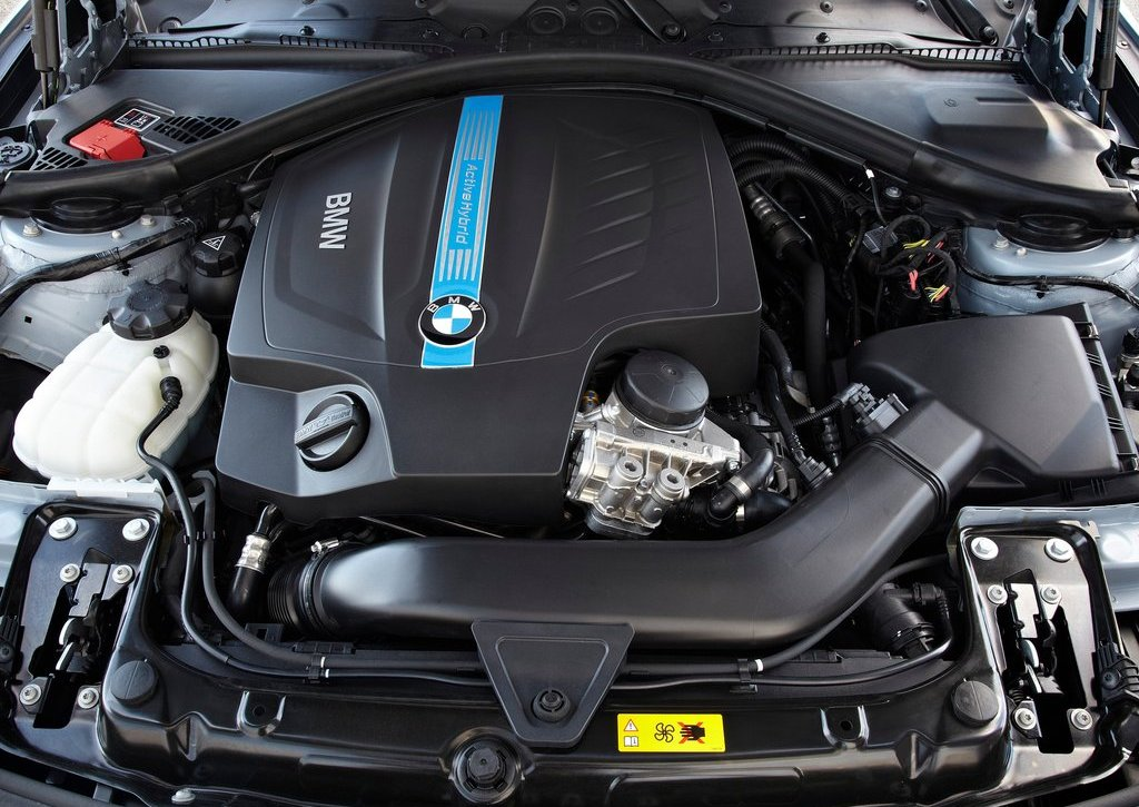 2013 BMW 3 Series Active Hybrid Engine (Photo 3 of 15)