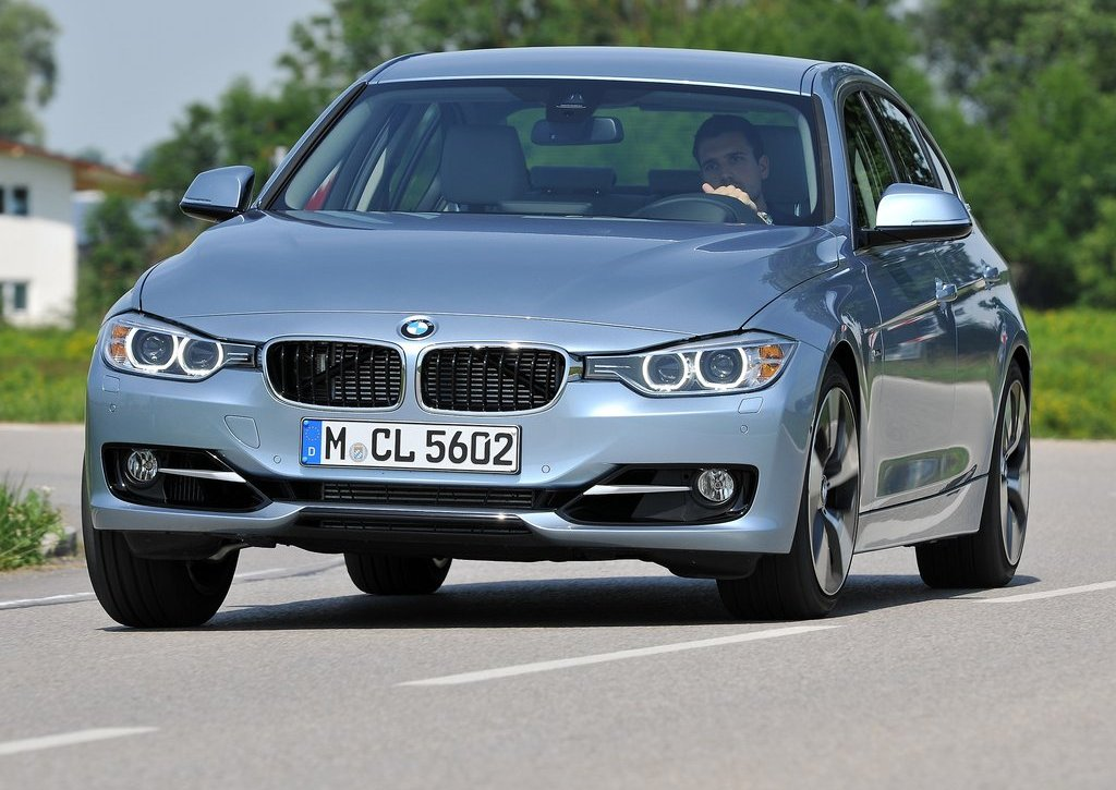 2013 BMW 3 Series Active Hybrid Front Angle (Photo 5 of 15)