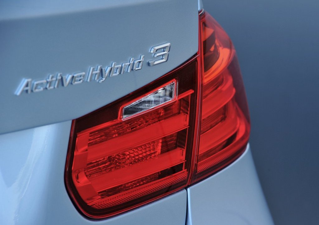 2013 BMW 3 Series Active Hybrid Tail Lamp (Photo 13 of 15)