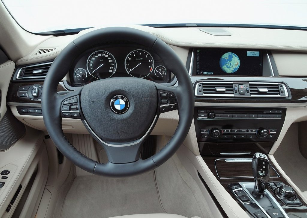 2013 BMW 7 ActiveHybrid Interior (Photo 8 of 14)