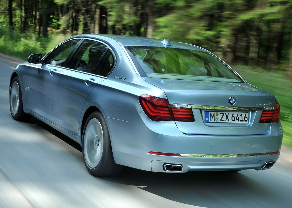 2013 BMW 7 ActiveHybrid Rear Angle (View 8 of 14)