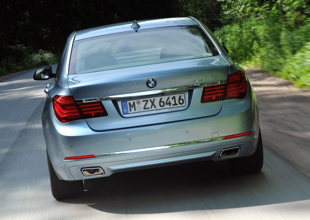 2013 BMW 7 ActiveHybrid Rear (Photo 10 of 14)