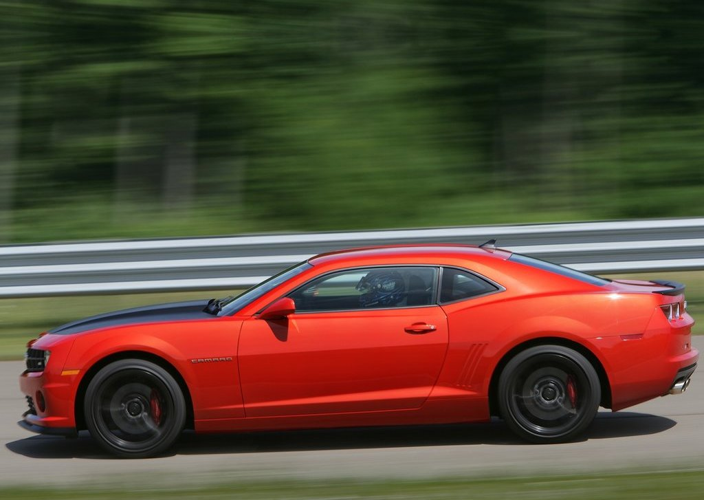 2013 Chevrolet Camaro 1LE Left Side (Photo 5 of 8)