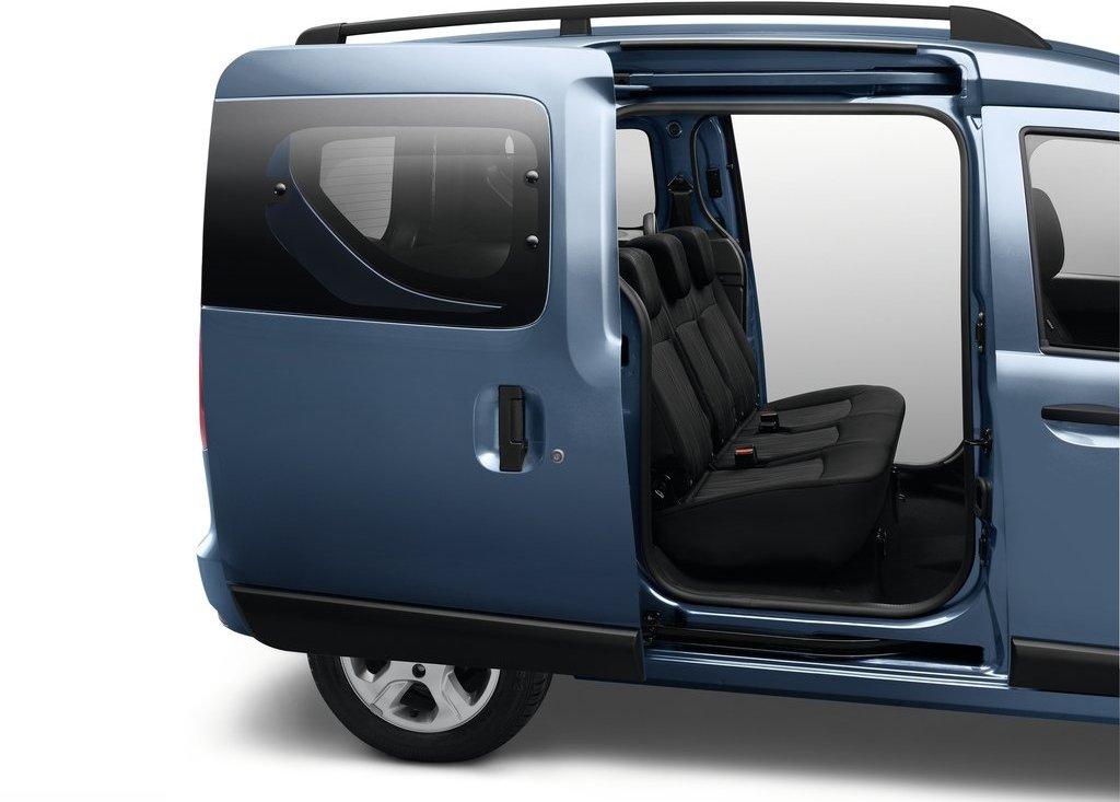 2013 Dacia Dokker Door (View 4 of 17)