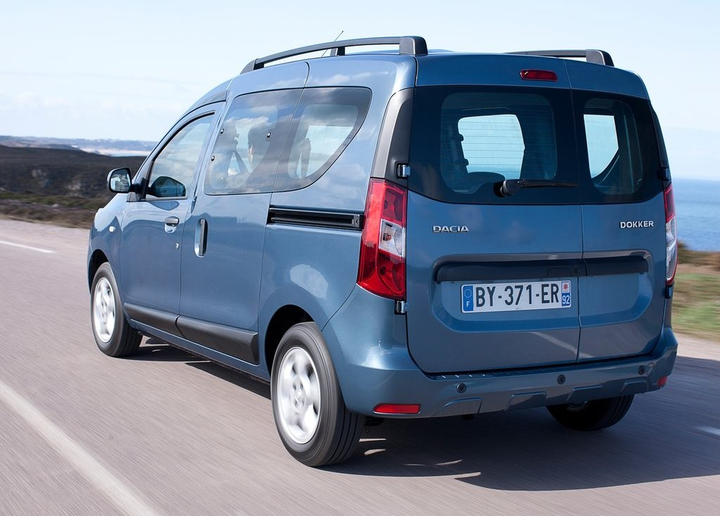 2013 Dacia Dokker Rear Angle (Photo 12 of 17)