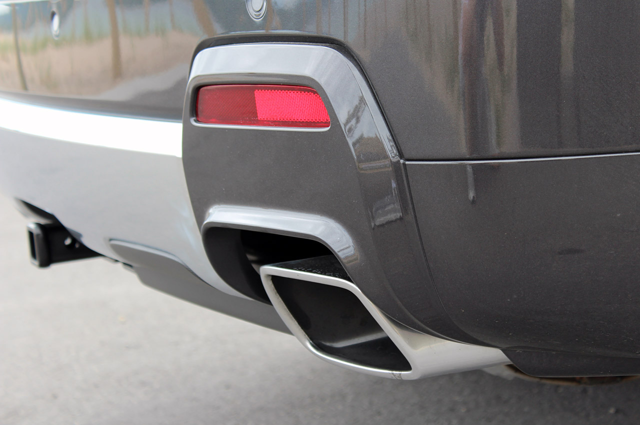 2013 GMC Terrain Denali Exhaust (Photo 3 of 16)